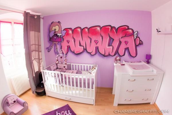 Chambre-graffiti-Amalya-Hibou-Suisse