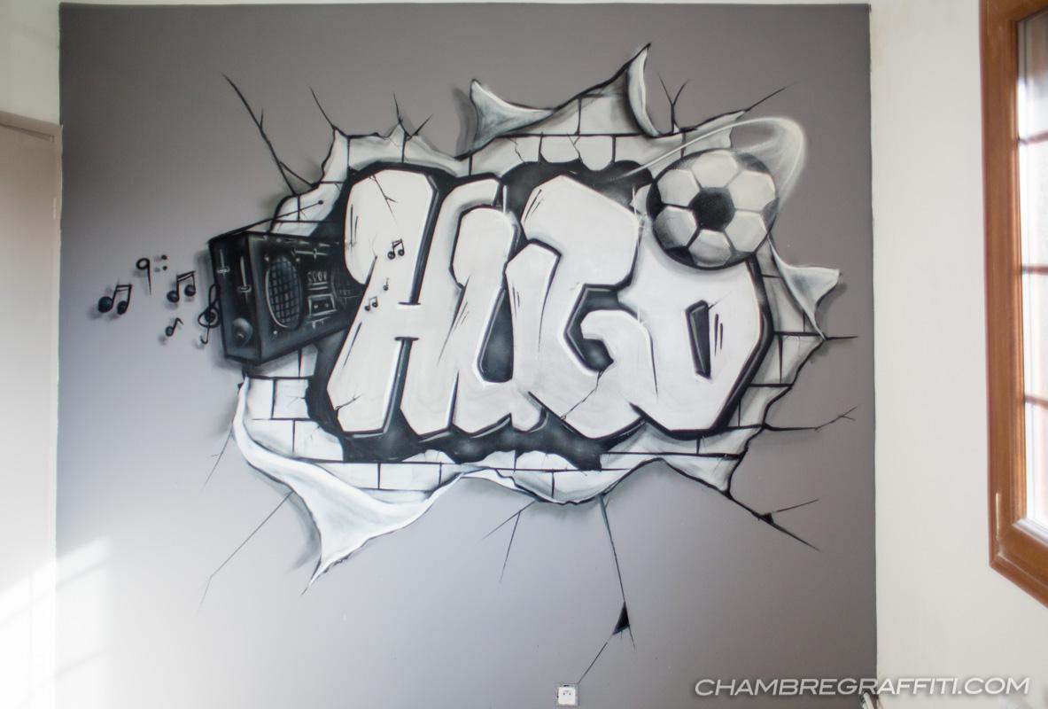 Hugo Graffiti En Noir Gris Et Blanc Sur Le Thème Du Foot Et De La