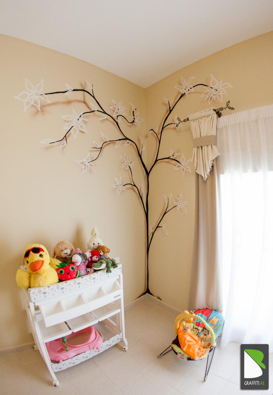 UAE-Painter-Artist-babyroom-tree